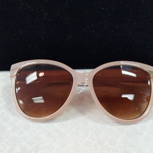 Sunglasses by Adrienne Vittadini - BRAND: ADRIENNE VITTADINI. STYLE: ROUNDED CAT EYE. COLOR: PINK, GOLD, BROWN LENS. SKU: 40321001778.