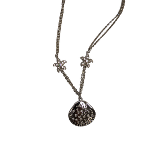 Necklace by Access - BRAND: ACCESS. STYLE: CHAIN WITH METAL SHELL AND BEJEWELLED STARFISH. COLOR: SILVER. SKU: 40321028640.