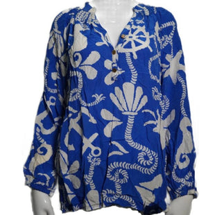 Shirt Long Sleeve by Lilly Pulitzer Size M - BRAND: LILLY PULITZER. STYLE: LONG SLEEVE SHIRT. COLOR: BLUE, WHITE. SIZE: MEDIUM. SKU: 40321013793.