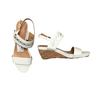 Shoes Low Heel Wedges by Tommy Hilfiger - BRAND: TOMMY HILFIGURE. SIZE: 9. STYLE: LOW HEEL WEDGE. COLOR: WHITE, CREAM. SKU: 40321010734.