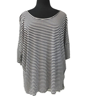 Top Short Sleeve by Old Navy Size XXL - BRAND: OLD NAVY. STYLE: SHORT SLEEVE, STRIPES. COLOR: BLUE, WHITE. SIZE: XXL. SKU: 40321006198.