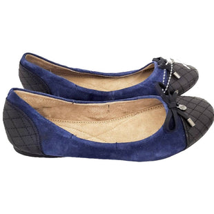 Shoe Flat by Bass Size 6 - BRAND: BASS. STYLE: FITTED BALLET FLAT. COLOR: NAVY AND BLACK. SIZE: 6. SKU: 40321024557.