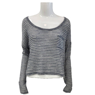 Sweater by Reitmans Size M - BRAND: REITMANS . STYLE: WIDE ROUND NECK CROPPED AND SHEER. COLOR: BLUE AND WHITE. SIZE: MEDIUM. SKU: 40321022132.