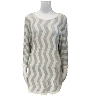 Sweater by Peck and Peck Size M - BRAND: PECK AND PECK. STYLE: ROUND NECK. COLOR: SILVER AND CREAM. SIZE: MEDIUM. SKU: 40321015581.