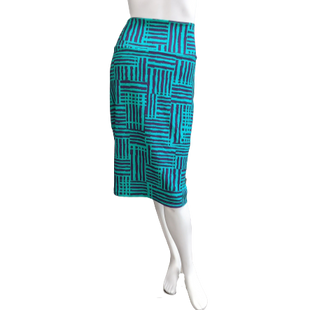 Skirt by LulaRoe Size 16 - BRAND: LULAROE . STYLE: HIGH WASTED KNEE LENGTH . COLOR: GREEN AND PURPLE. SIZE: 16 (X-LARGE). SKU: 40321007642.