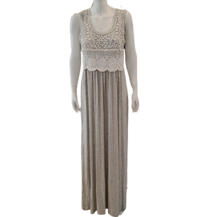Dress Long Sleeveless by New York & Company Size L - BRAND: NEW YORK & COMPANY . STYLE: LONG DRESS WITH LACE TOP. COLOR: GRAY AND WHITE. SIZE: LARGE. SKU: 40321028573.