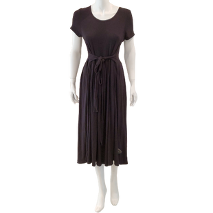 Dress Long Short Sleeve by Downeast Size M - BRAND: DOWNEAST . STYLE: T-SHIRT STYLE DRESS WITH TIE WAIST. COLOR: BLACK. SIZE: MEDIUM. SKU: 40321028694.