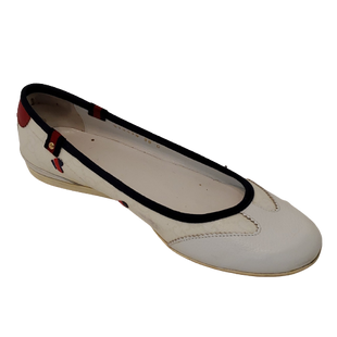 Shoes Flat by Gucci size 7.5 - BRAND: GUCCI . STYLE: ROUND TOE BALLET FLAT. COLOR: WHITE, RED AND BLUE. SIZE: 7.5. SKU: 40321028893.