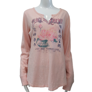 Top Long Sleeve by Lucky Brand size XL - BRAND: LUCKY BRAND. STYLE: LONG SLEEVE SCOOP NECK GRAPHIC TEE. COLOR: BLUSH, NAVY, GREEN. SIZE: X-LARGE. SKU: 40321010632.