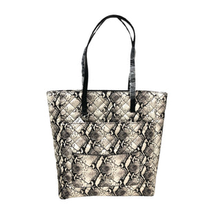 Handbag by Steve Madden Size L - BRAND: STEVE MADDEN. STYLE: LARGE HANDBAG WITH SHOULDERS STRAP AND REMOVABLE COIN WALLET AND COSMETIC BAG.. COLOR: BLACK, BONE. SKU: 40321028125.