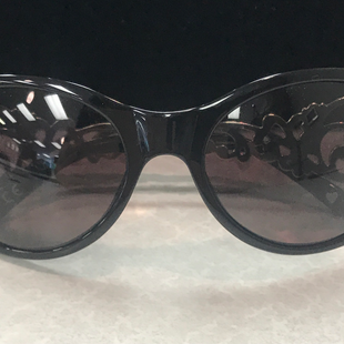 Sunglasses by Brighton - BRAND: BRIGHTON. STYLE: OVAL SHAPED. COLOR: BLACK, SILVER. SKU: 40321020226U.