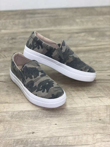 Take a Hike Sneakers Camo