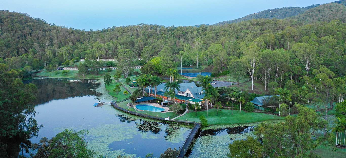 Cedar Lake Country Resort is a short drive from The Bower Estate offering families and couples simple great and accessible accommodation