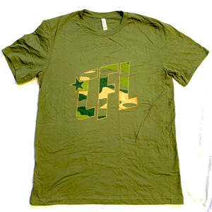 Open image in slideshow, Men's Camo CFL 2.0 Logo T-Shirt