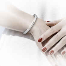 Load image into Gallery viewer, sterling silver introvert bangle