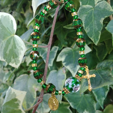 Load image into Gallery viewer, Emerald and gold Rosary bracelet