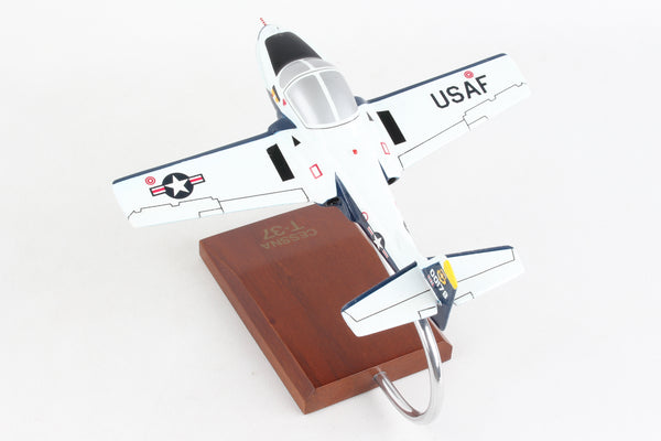 B0348T32W EXECUTIVE SERIES T-37B TWEETIE BIRD (BLUE/WHITE) 1/48