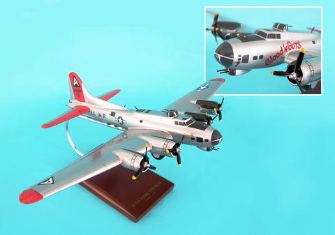 A1372 EXEC SER B-17G FORTRESS SILVER 1/72 BLOOD AND GUTS