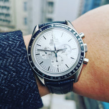 Load image into Gallery viewer, Omega Speedmaster Professional Apollo XI 25th Anniversary White Gold 500 LE 3692.30