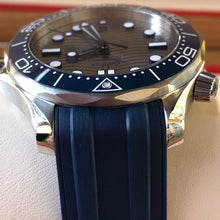 Load image into Gallery viewer, Omega SEAMASTER DIVER 300M Grey on Rubber 210.32.42.20.06.001