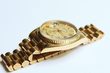 Load image into Gallery viewer, Rolex Day-Date 1803 Linen Dial