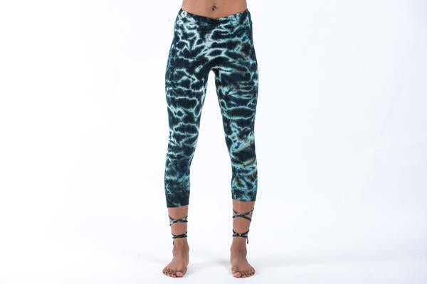 Marble Tie Dye Capri Leggings in Dark Teal
