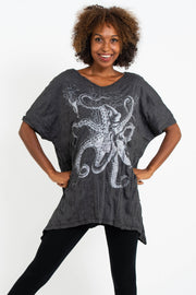 Womens Octopus Loose V Neck T-Shirt in Silver on Black