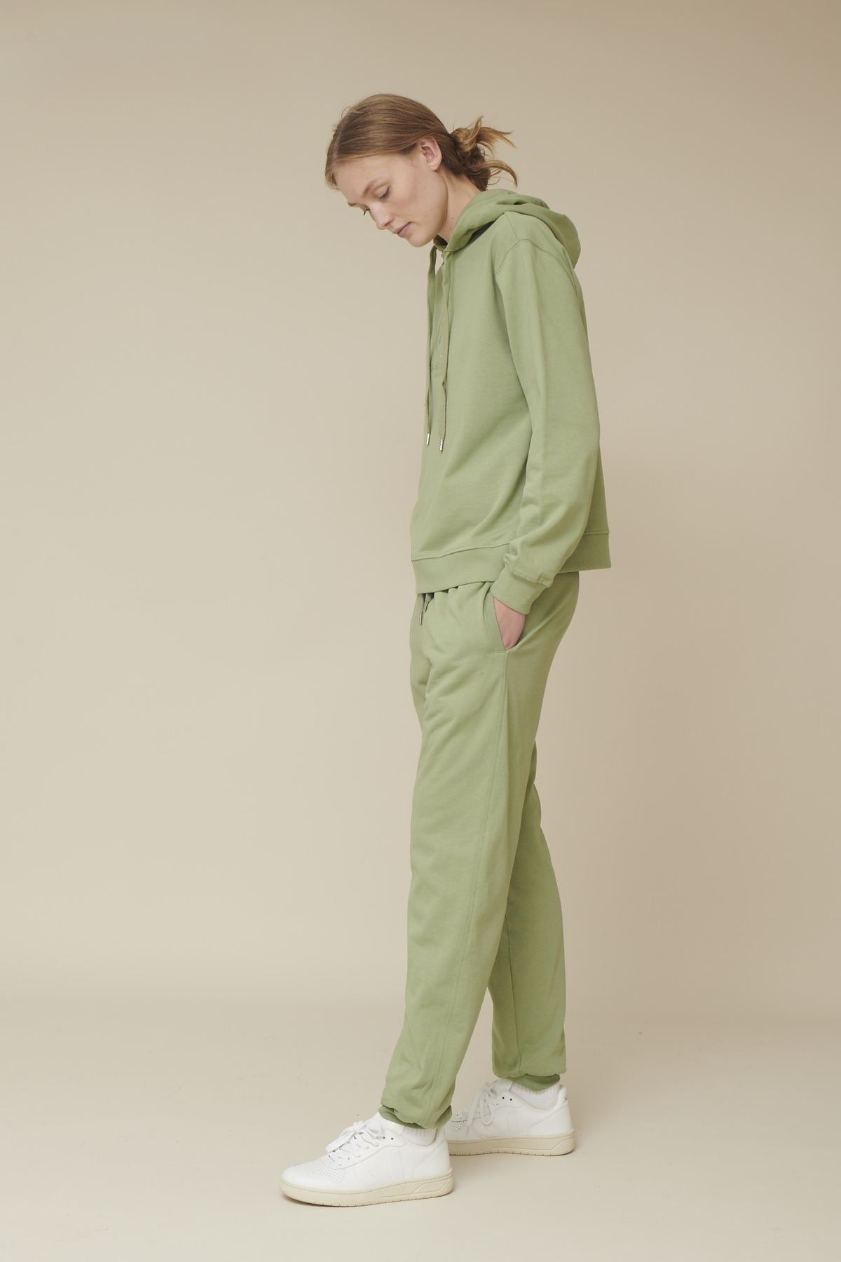 Basic Apparel // Maje sweatpants - oil green
