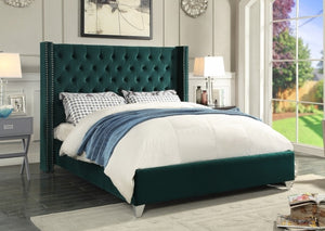 IF 5894 - Green Velvet Wing Bed - King / Tres Grand Lit