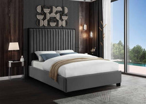IF 5545 - Grey Velvet Bed - King / Tres Grand Lit