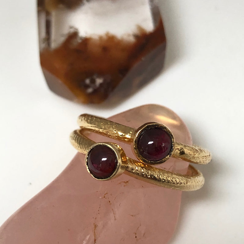 Ring Dot Garnet - Mirabelle Jewellery