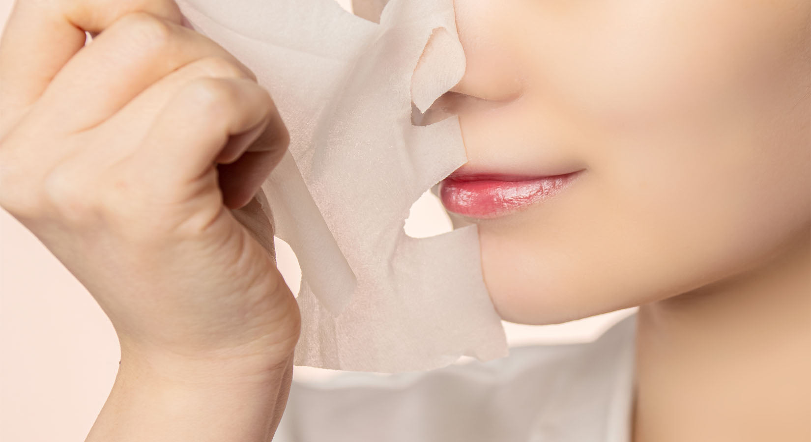 Korean Face Mask are very popular. They can be in the form of sheet masks, wash off masks and overnight masks.