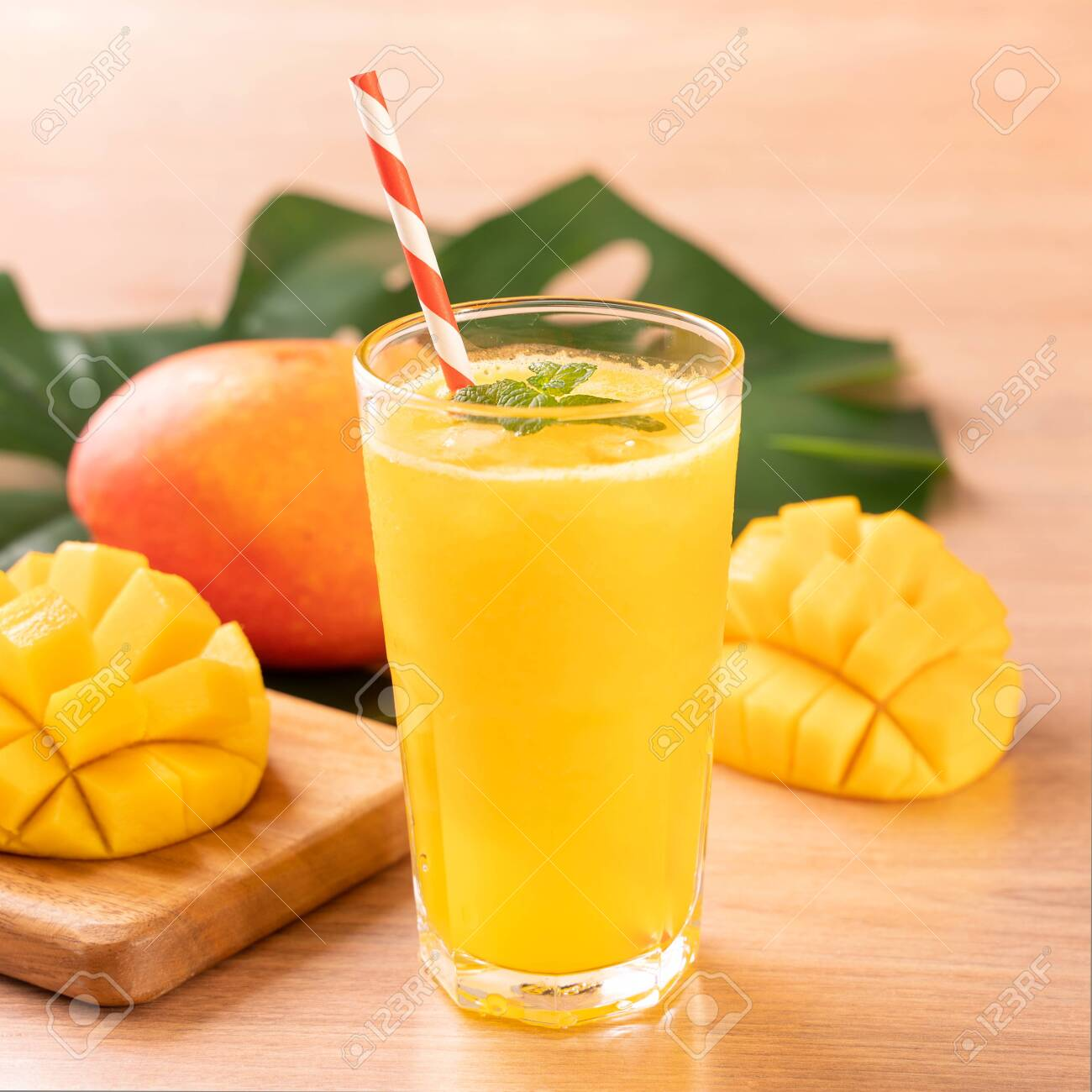 Fresh Mango Juice (12 Oz)