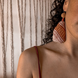 Load image into Gallery viewer, Yinaagirbang Quandong Earrings