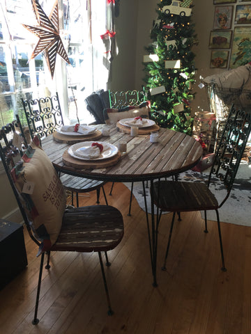 Bead Board Metal Table & 4 Chairs