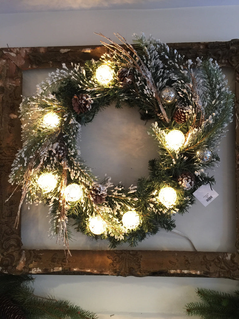 Mercury Traditional Wreath