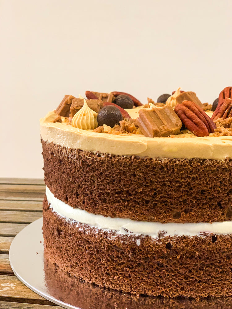 Load image into Gallery viewer, Peanut Butter and Jam (PB&J) Cake
