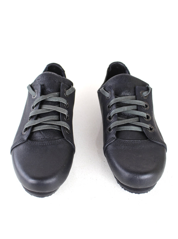 4 HOLES BLACK LEATHER SNEAKERS