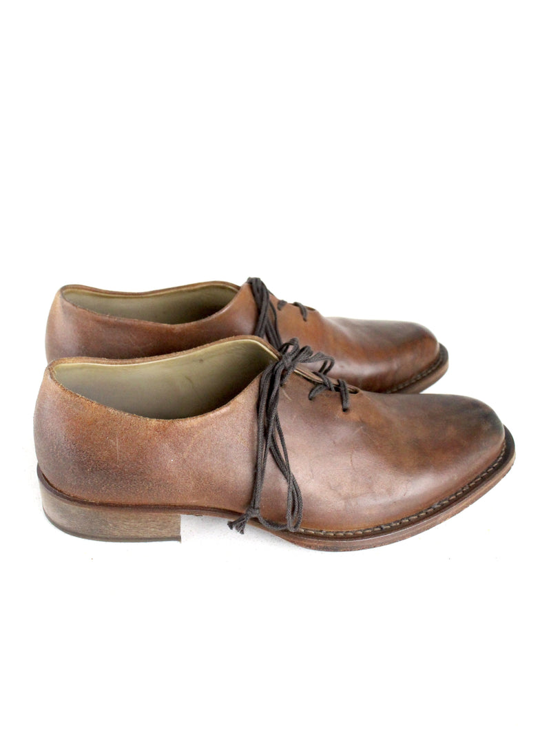 ONE PIECE POINTY DERBY SHOES