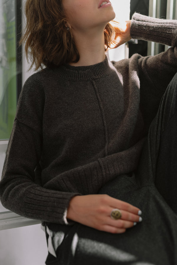 WALNUT SWEATER
