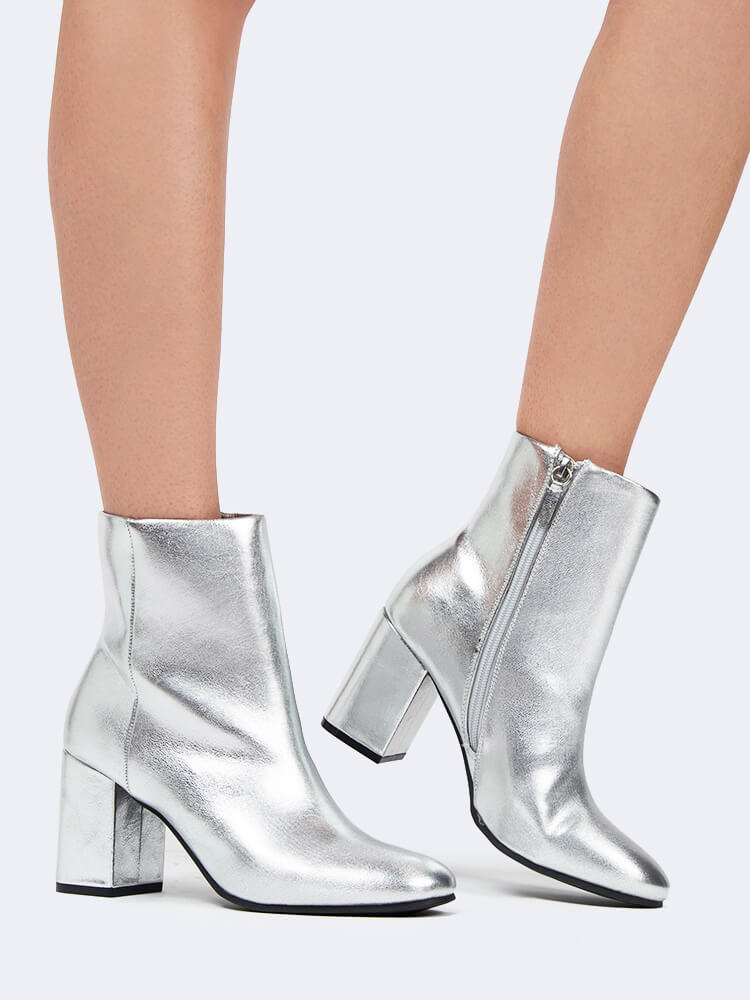 Round Toe Ankle Bootie
