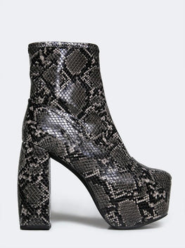 Jeffrey Campbell Fiction