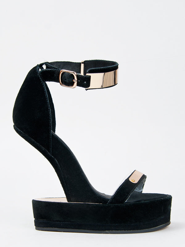 Huvr by Jeffrey Campbell