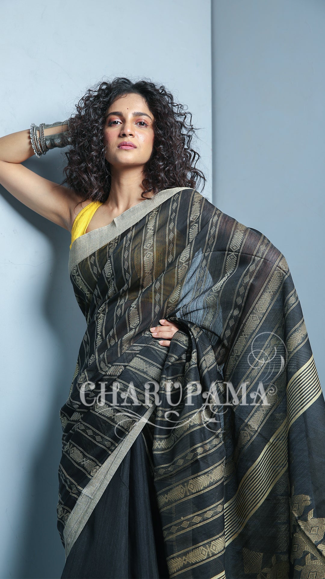 Color Beige Is Neutral, Calm, And Relaxing And With Black Combination This Saree Represents Warm Color With A Cool Color. This Handwoven Blended Cotton Saree Is Great Pick For Summer And Autumn Season, Best For Wedding Events - Charupama