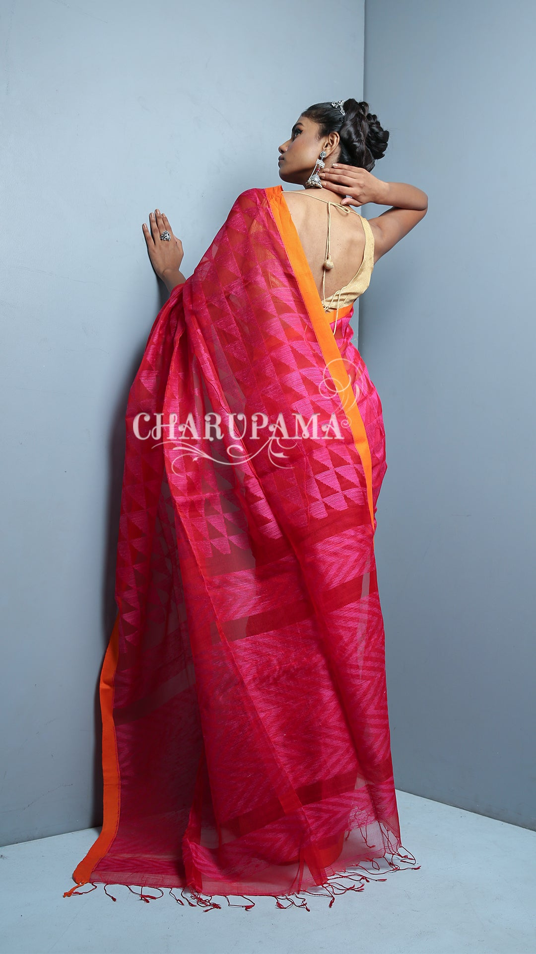 Matka Is The Symbol Of Purity, Richness And Elegance That Every Indian Woman Wishes To Have In Their Wardrobe.  Vibrant Pink Coloured Abstract Motif Weaving  Pure Matka Saree Is Simple Yet Elegant Looking.