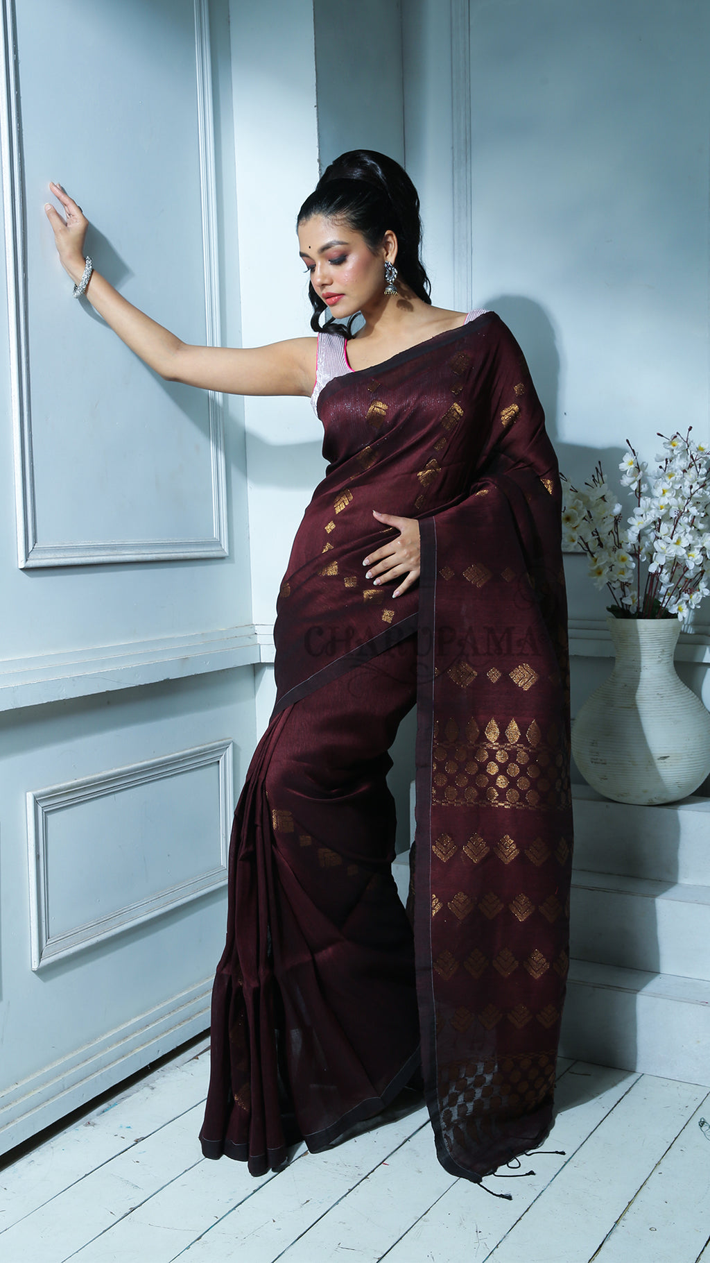 Dark Chocolate Organic Linen With Zari Work And Pallu