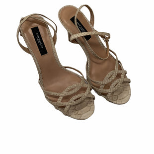 Ann Taylor Kitten Heels - SMALL HEEL AND IN OK CONDITION (SEE PHOTOS). SIZE: 6. COLOR: BEIGE .