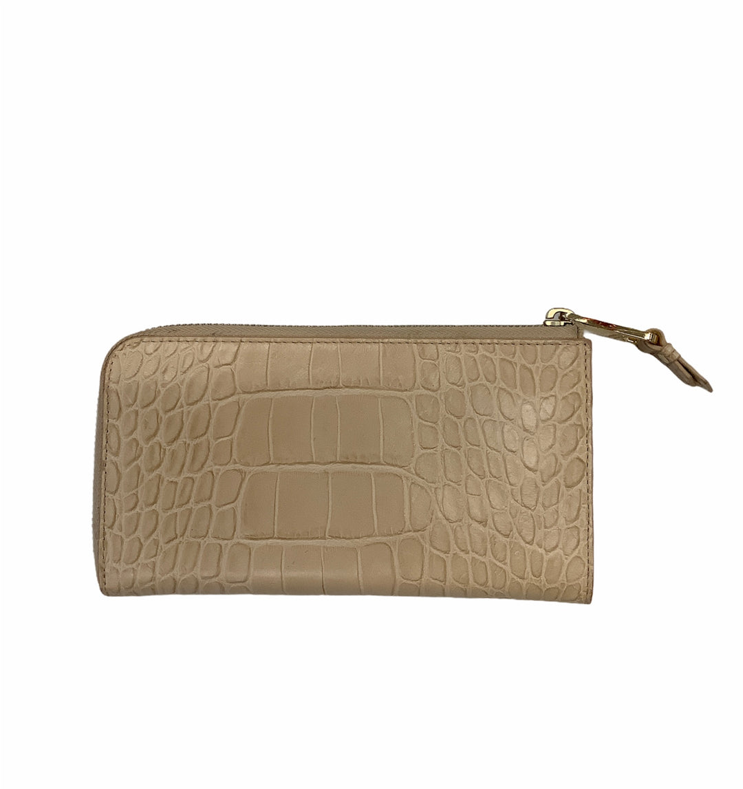 Badgley Mischka Tan Croc Wallet - <P>IN 'GOOD' CONDITION WITH MINOR FLAWS (SEE PHOTOS)</P> <P>COLOR: TAN/BEIGE</P> <P>LENGTH: 8 INCHES    HEIGHT: 4 INCHES</P>