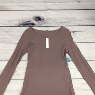 NWT L.A. Made Long Sleeve Top -   SIZE SMALL .  BROWN. .