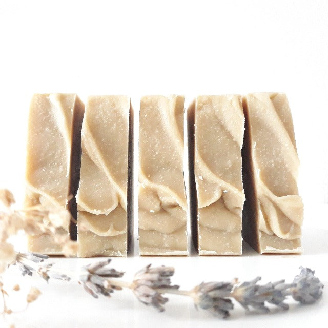 Maetura Natural Cosmetics: Soothing Soap (oat-milk & lavender)